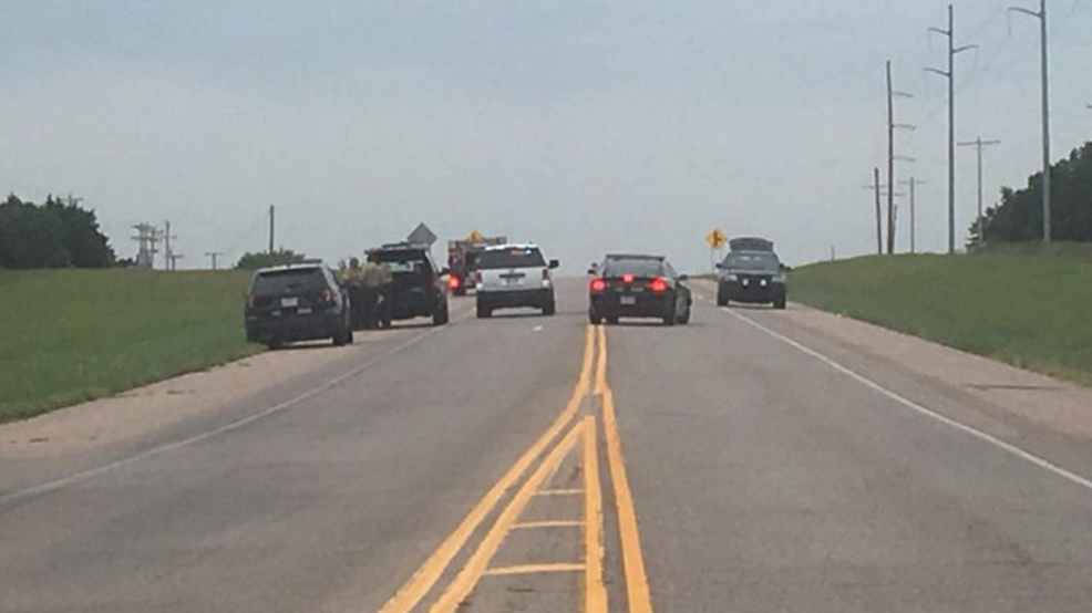 Fatal accident in Tecumseh closes Hwy 177   KTUL