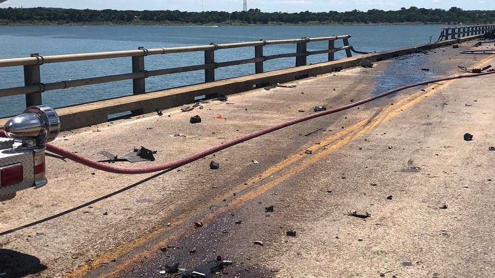 Crews work to recover truck, driver after Lake Texoma crash   KTUL